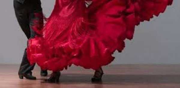 STAGE DI FLAMENCO E DANZE SPAGNOLE PER ADULTI INTERMEDIO
